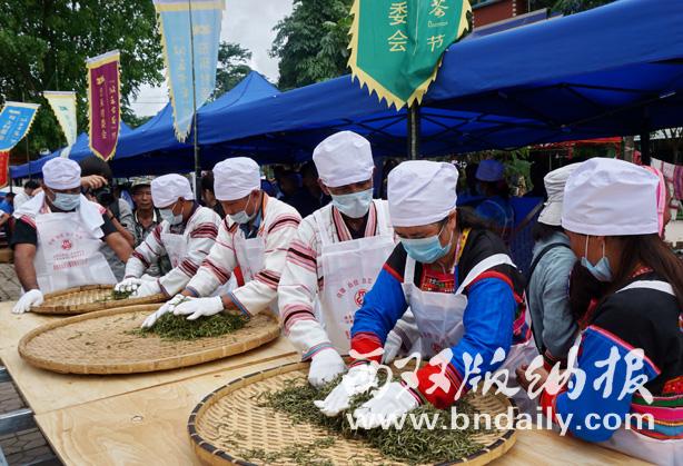 传统手工晒青制茶技艺大赛。