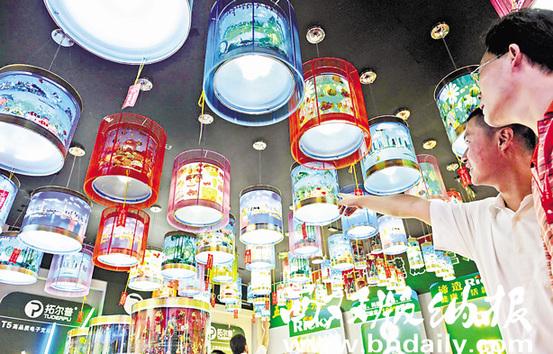 古镇灯饰产业转型升级令灯饰更加璀璨夺目。