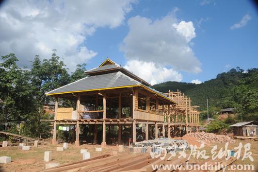 贫困村在建的新房